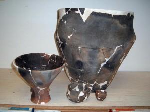 Souprava keramických nádob nalezených společně s bubnem po konzervaci, foto Draha Kaňkovská