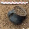 Koflík z hrobu kultury zvoncovitých pohárů