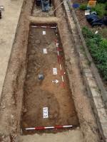 Povrch s archeologickými terény před apo exkavaci