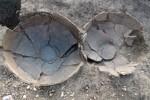 Keramické nádoby po odkrytí