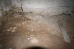 03 Pohled do kostnice při zahájení prací (foto MH)